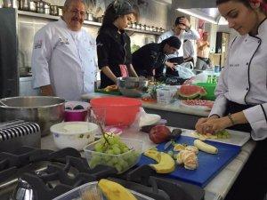 TAŞPAKON'dan geleceğin aşçılarına pasta eğitimi