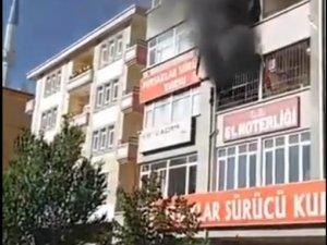 Pursaklar'da noterde yangın paniği