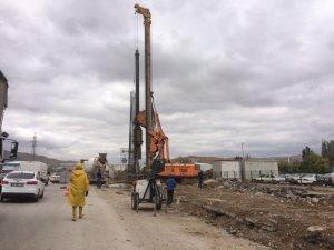Anadolu Bulvarı'ndaki trafiği rahatlatacak köprü