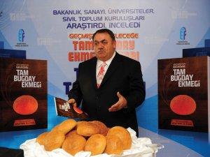 """Ali İlkbahar: """"Tam buğday ekmeği yararlıdır"""""""