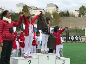 Çubuklu okçular 12 madalya kazandı