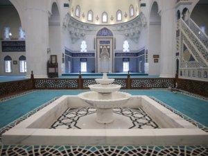 Ulus İtfaiye Meydanı Camii bugün açılıyor