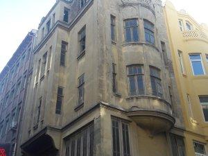Bu binalar restorasyon bekliyor