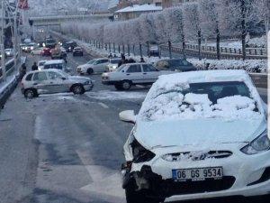Kar yağışı kaza getirdi