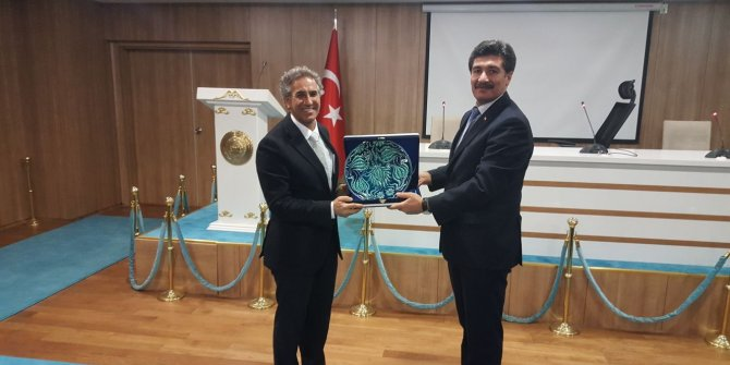 ASBÜ'den Bakan Gül'e sertifika