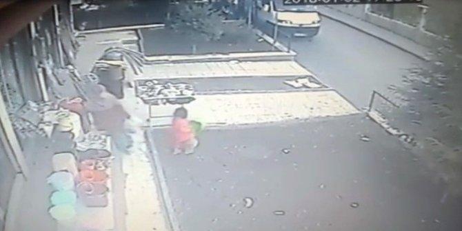 Çocuğunu hırsızlık yaparken kullandı
