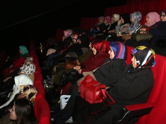 İlk kez sinemaya gittiler