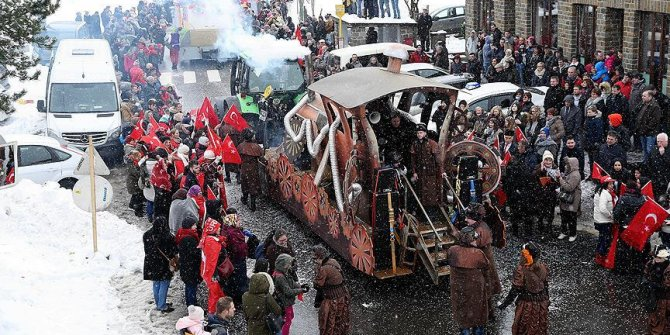 """Belçika'lı """"Türk"""" köylülerden renkli karnaval"""