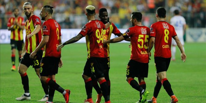 Göztepe, 5 futbolcusuyla yollarını ayırdı