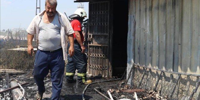 Sığındığı baraka yangında kül oldu