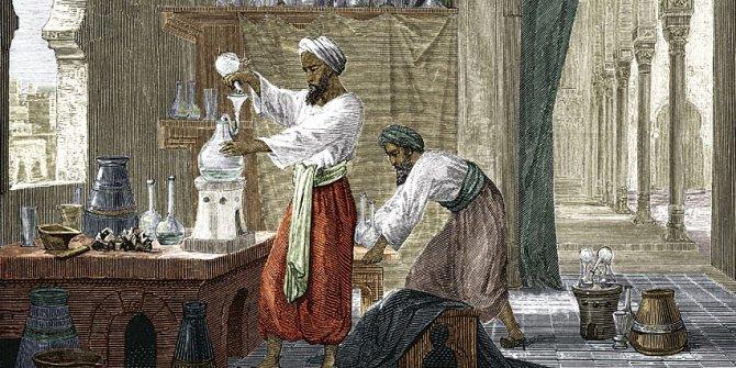 Ebubekir Razi kimdir? Kızamık ve çiçek hastalığını nasıl tedavi etti?
