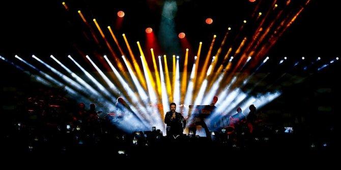 Tarkan Moskova'da konser verdi
