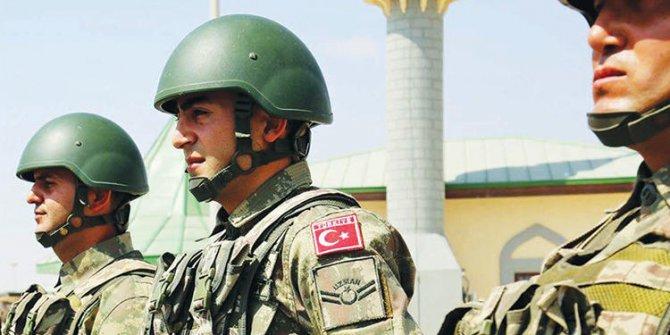 Bakan Akar yeni askerlik sisteminin detaylarını açıkladı