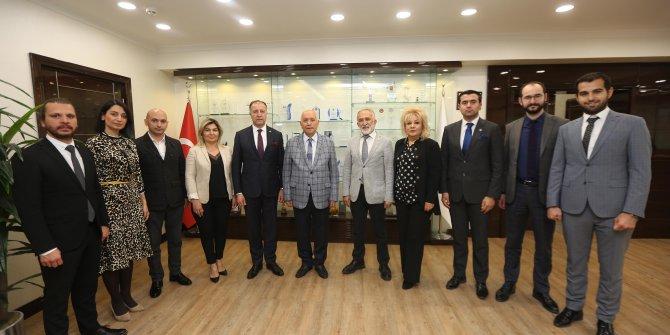 Genç girişimcilerden Başkan Yaşar'a ziyaret