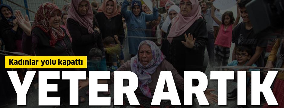 Kadınlar yolu iple kapattı: Vatandaşlar isyan etti