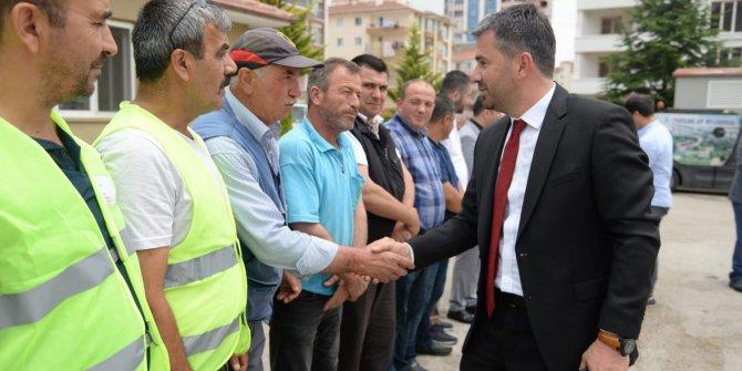 Pursaklar Belediye Başkanı Çetin personelle bayramlaştı