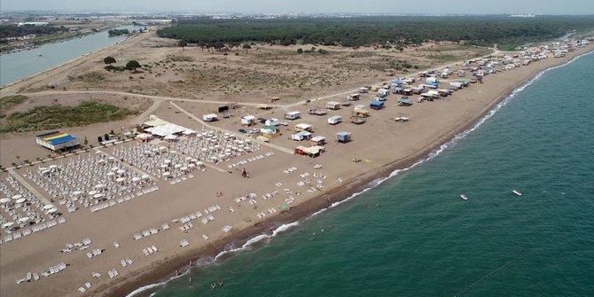 Antalya'da 'çardaklı' tatil