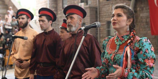 Mamak'ta Kazak Korosu