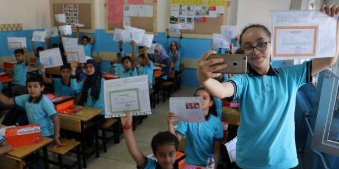 Gazianep'te 60 bin Suriyeli çocuk karne aldı