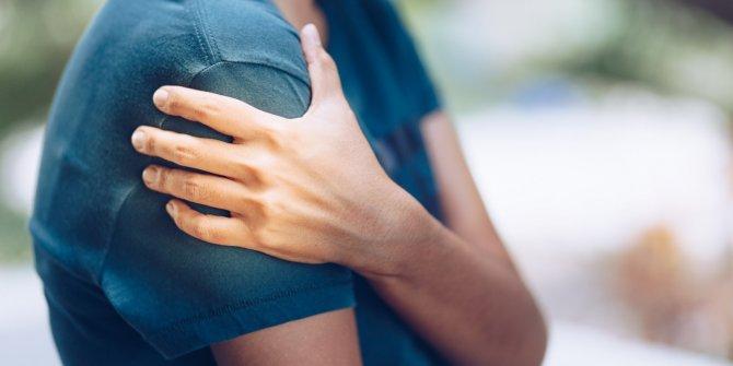 Uzmanı uyardı: Gece artan omuz ağrılarına dikkat