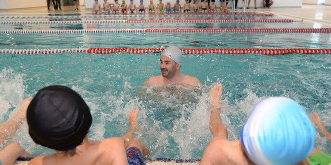 Pursaklar'da yüzme dersleri başladı