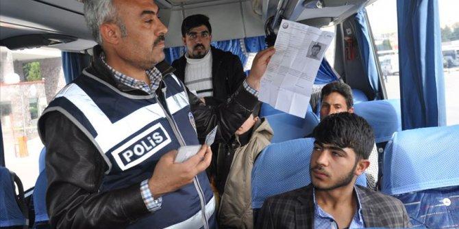 Suriyeliler Türkiye içinde izinsiz göç edemeyecek