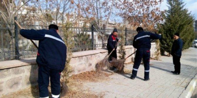 Çankaya Belediyesi'nin temizlik işçileri gece yarısı iş bıraktı