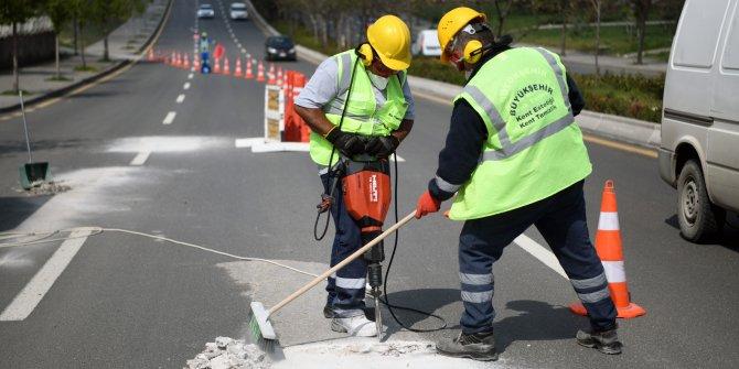 Ankara Büyükşehir Belediyesi cadde ve sokaklardaki beton kalıntılarını temizliyor