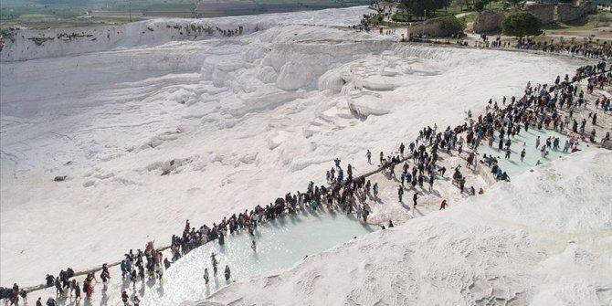 Pamukkale'ye üç ayda 1 milyon ziyaretçi