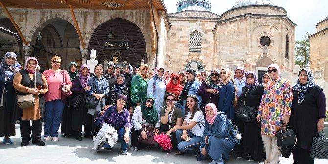Mamak Belediyesi'nin organize ettiği kültür gezileri devam ediyor