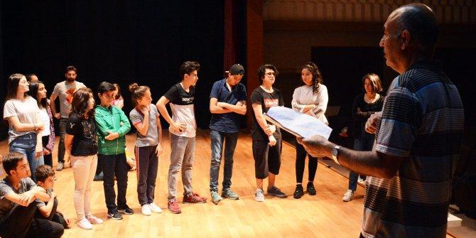 Keçiören'de tiyatro kursları başlıyor
