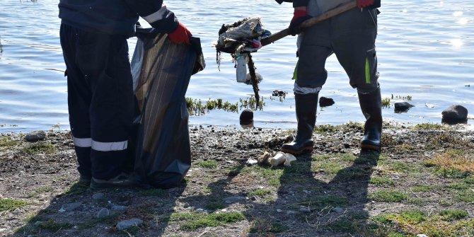 Ankara Büyükşehir Belediyesi barajlarda temizlik gerçekleştirdi