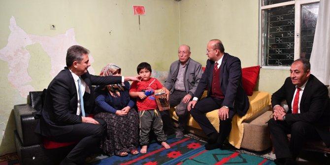 Yalçın Akdoğan ve Murat Köse Mamak'ta ev ziyareti gerçekleştirdi