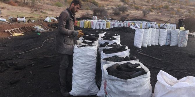 Mangal kömürü işçilerinin 'ekmek' mücadelesi