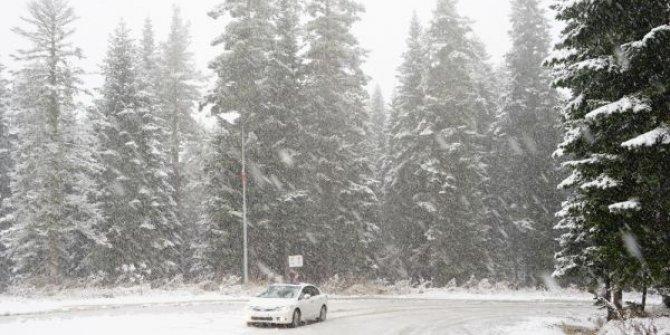 Ilgaz Dağı'nda sürücülerin kar ile imtihanı
