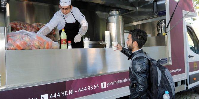 Yenimahalle Belediyesi sıcak çorba ikramına devam ediyor