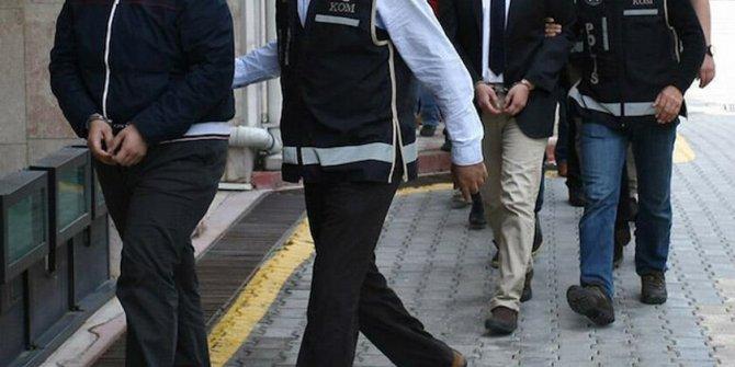 İstanbul'da FETÖ'ye ait 33 hücre evine baskın: 22 kişi yakalandı