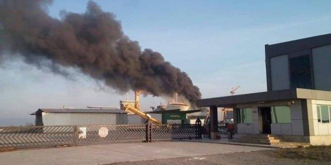 Yalova'da tersanede yangın