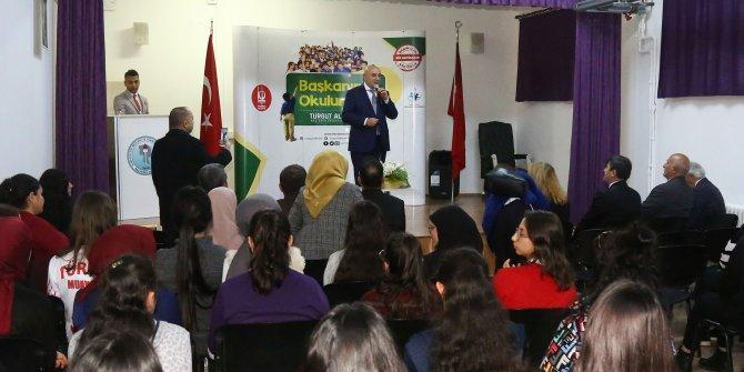 Keçiören Belediye Başkanı Turgut Altınok öğrencilerle buluştu
