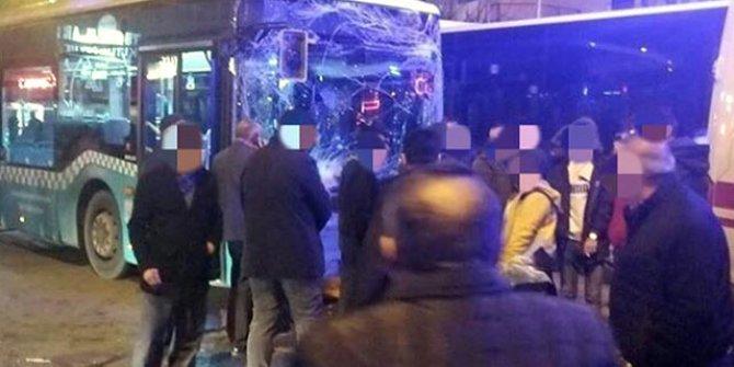 Servis minibüsü, halk otobüsü ile otomobile çarptı: 5 yaralı