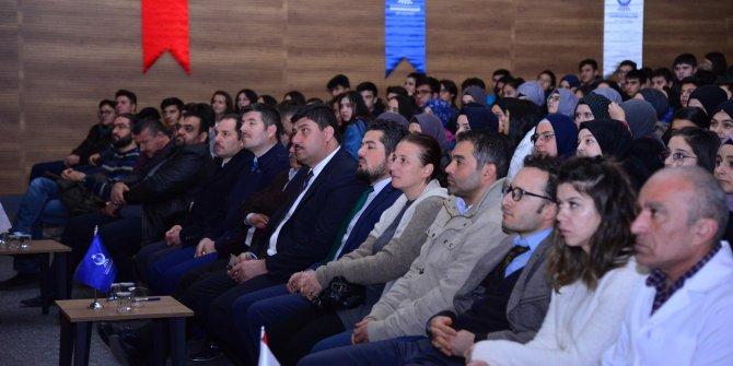 """Kahramankazan Belediye Başkanı Serhat Oğuz öğrencilerle """"İstiklal""""i izledi"""