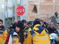Elazığ'da enkazdan bir kişi daha çıkarıldı