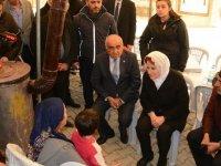 İYİ Parti Genel Başkanı Akşener depremzedeleri ziyaret etti
