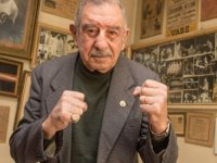 """Türkiye'nin """"Demir Yumruk"""" lakaplı ilk profesyonel boksörü öldü"""