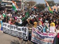 Hindistan'da Vatandaşlık Yasası protestoları sürüyor