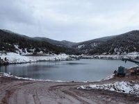 Çatlak oluşan Bahadır Barajı'nda su tahliye çalışması sürüyor
