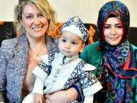 Büyükşehir Belediyesi 11 aylık bebeğe sünnet kıyafeti hediye etti