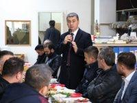 Gölbaşı Belediye Başkanı Ramazan Şimşek kahvaltıda esnafla bir araya geldi