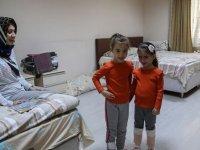 Yurtlarda karantina günleri: Çocuklara doğum günü pastası gönderiliyor
