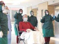 Koronavirüs tedavisi biten hastalar taburcu ediliyor